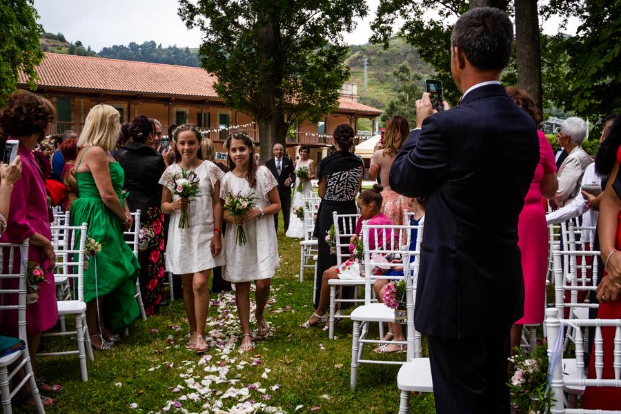 fotos de boda en la casona de las fraguas cantabria jóvenes damas de honor