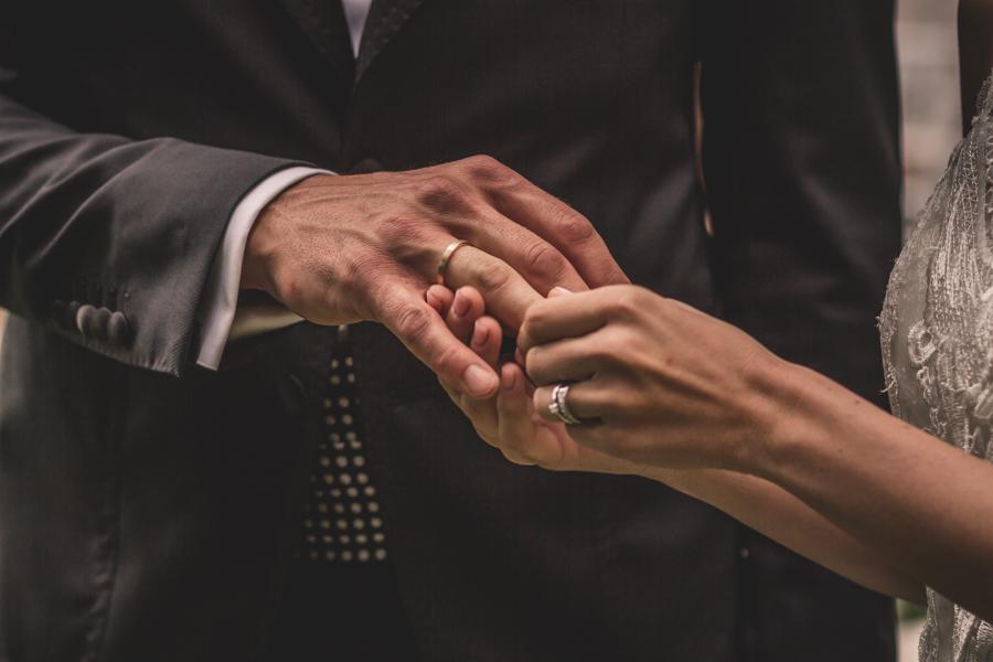 fotos de boda en la casona de las fraguas cantabria los anillos de boda