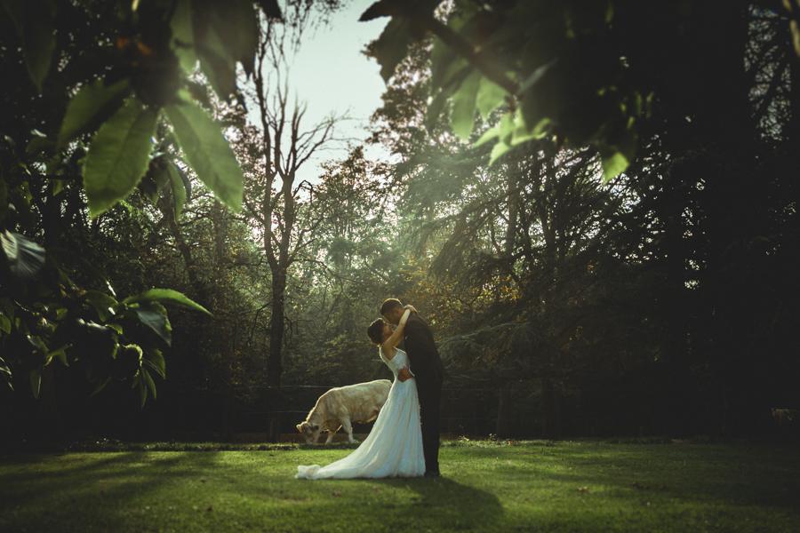 fotos de boda en la casona de las fraguas cantabria en jardín
